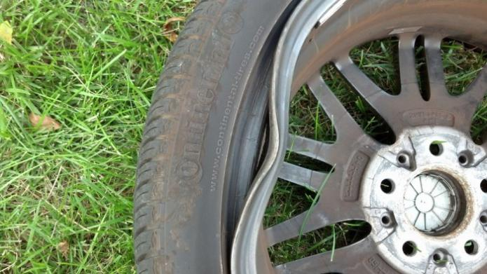 E39 M5 Wheel Damage